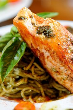 Whole-Wheat Spaghetti with Lemon, Basil and Salmon