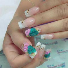 Uñas acrílicas French flores 3D Posh Nails, 3d Nails, Cute Nails, 3d Nail Designs, Acrylic Nail Designs, Bridal Nail Art, Summer Acrylic Nails, Pretty Nail Art, Glitter Nail Art
