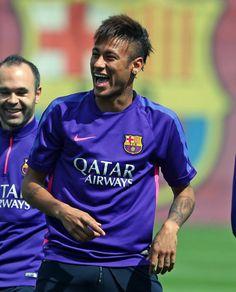 Neymar is life Football Love, Football Is Life, Good Soccer Players, Football Players, Neymar Pic, World Cup 2014, Fc Barcelona, Perfect Man, Messi