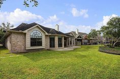 8527 Atascocita Lake Way Beautiful  newly updated home located in Atascocita. Have no immediate front or rear neighbors. Golf course located in front of the property and a serene lake in back.