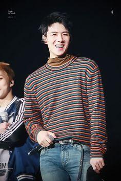 Meu Sehun sorrindo  é tão lindo esse sorriso  EXO♡ ✨