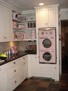 Pink Kitchen, 1953 pink Western Holly oven