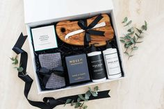 L182_20200613O4B_TGS Ribbon Logo, Gift Box For Men, Real Estate Gifts, The Ultimate Gift, Gift Hampers, Corporate Gifts, Thank You Gifts, Bride Gifts