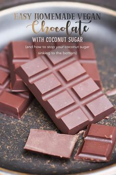 Easy homemade vegan chocolate with coconut sugar (and how to stop your coconut s. Easy homemade vegan chocolate with coconut sugar (and how to stop your coconut sugar sinking to the bottom) Vegan Candies, Raw Vegan Desserts, Healthy Vegan Snacks, Vegan Dessert Recipes, Vegan Treats, Vegan Foods, Raw Food Recipes, Coconut Sugar Recipes, Paleo Sweets