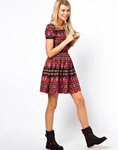 Consigue el vestido étnico Kate Bosworth en Asos