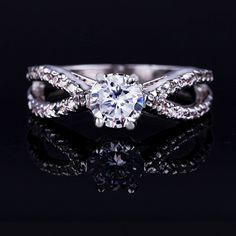 18 k Plateado Platino Cubic Zirconia Pavimenta el Anillo de Compromiso de Split Caña el Tono de plata del Corte Redondo CZ 4 Ajuste Del Diente anillo de Bodas del Dedo anillo(China (Mainland))