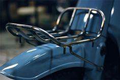 ワンオフ フロントパイプキャリア (スーパーカブ) Vintage Motorcycles, Cars And Motorcycles, Honda Cub, Dual Sport, Iron Art, Kustom, Motorcycle Accessories, Scrambler, Custom Bikes