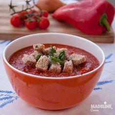 Supa de ardei copti si quinoa