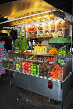 One of the interesting new vendors on Khaosan Road. A fresh fruit and vegetable juice store. You can get them to juice and blend any pick of the fresh fruits or vegetables available on display! A great pick-me-up drink! — at Khao San Road.