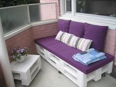 Recycled wood pallet furniture has always been a source of inspiration and motivation for a learner like me. Recycled Pallet Furniture, Outdoor Furniture Plans, Recycled Wood, Pallet Crates, Wooden Pallets, Pallet Patio, Pallet Wood, Sofa Furniture, Furniture Projects
