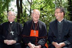Bissschop Frans Wiertz, Kardinaal Simonis, en de pastoor van Tegelen, John Dautzenberg.