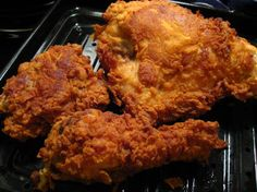 adds baking powder for extra crispiness. 2 lbs cut-up chicken Sauce mixture 4 eggs cup water 1 cup hot sauce (I use Louisiana Hot Sauce, Tabasco might be hotter) Seasoning blend 1 teaspoons salt 1 teaspoons fresh ground black pepper Fried Chicken Recipes, Fried Chicken Dredge Recipe, Crispy Chicken, Cast Iron Fried Chicken, Buttermilk Fried Chicken, Oven Fried Chicken, Lemon Chicken, Cuisine Diverse, Sauce For Chicken