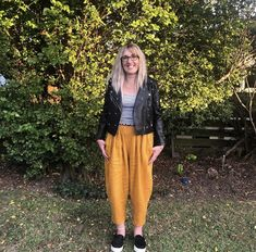 Keryn looking AMAZING in her favourite new pants. Tonic & Cloth's Gatsby Pleated Pant in Ochre! New Pant, Pleated Pants, Gatsby, Amazing, How To Wear, Clothes, Fashion, Outfit, Moda