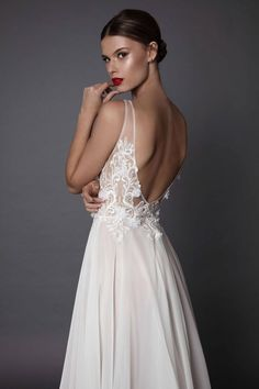 Musicie zobaczyć przepiękne suknie ślubne Muse by Berta Bridal (FOTO)