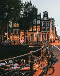 Why do you Love Amsterdam? Why do you Love Amsterdam? Why do you Love Amsterdam? Oh The Places You'll Go, Places To Travel, Travel Destinations, Places To Visit, City Trip Europe, Travel Europe, Europa Tour, Amsterdam Travel, Amsterdam City