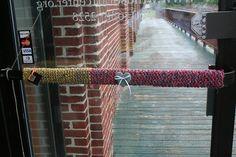 Doorhandle Yarnbomb   Flickr – Compartilhamento de fotos!