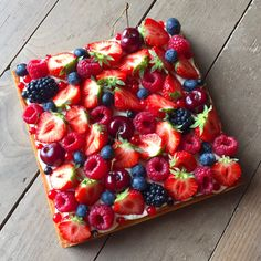 French Desserts, Indian Desserts, Cooking Box, Dessert Aux Fruits, Good Food, Yummy Food, Fashion Cakes, Dinner Is Served, Food Presentation
