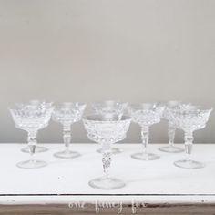 Vintage Sektschalen für Hochzeiten, Parties und Sektempfänge mieten bei One Fancy Fox!