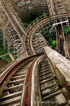 "Amazing shot from the top of the wooden roller coaster ""Aska"". Abandoned amusement park ""Nara Dreamland"" 奈良ドリームランド, Nara, Japan 1961 - Photo by Michael John Grist. Abandoned Buildings, Abandoned Places, Abandoned Castles, Haunted Places, Abandoned Mansions, Abandoned Theme Parks, Abandoned Amusement Parks, Magic Places, Foto Art"