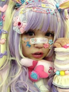 kawaii. Pastel goth tip - accesorize to the absolute max!!