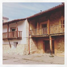 Old spanish wooden houses. #cityscape #oldhouse #spanish #timelapse www.albertoexposito.net Time Lapse Photography, Wooden Houses, Spanish, Cabin, House Styles, Photos, Home Decor, Timber Homes, Wood Frame House