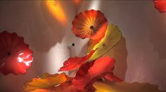 CHIHULY - Through the Looking Glass. Great 3 minute video for the kids.