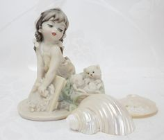 April Finds! A Simply Vintage Treasury KisvTeam by willowvalleyvintage on Etsy