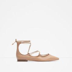 Immagine 1 di BALLERINA PELLE CON LACCIO di Zara
