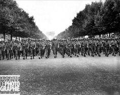US Army sur les Champs Elysées...1944 ♥