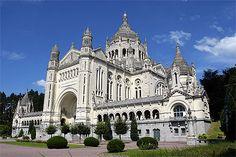 Lisieux, France. Basilique Ste-Thérèse, Lisieux - Normandie