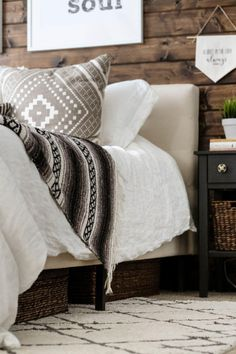Modern Rustic Bedrooms, Farmhouse Style Bedrooms, Farmhouse Bedroom Decor, Modern Farmhouse, Bedroom Rustic, Contemporary Bedroom, Cheap Bedroom Furniture, Home Furniture, Kitchen Furniture