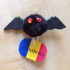 Girl Scouts SWAP for World Thinking Day - Romania. A vampire bat representing the Romanian ruler, Vlad the Impaler, credited as being the real-life inspiration for Bram stoker's Dracula Girl Scout Swap, Girl Scout Leader, Kid Art, Art For Kids, Gs World, Bat Craft, Romanian Girls, American Heritage Girls, World Thinking Day