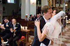 Hochzeit Salzburg Stiftskirche St. Peter Kuss