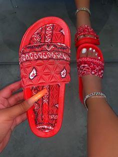 Sneakers Mode, Sneakers Fashion, Fashion Shoes, Fresh Shoes, Hype Shoes, Toe Shape, Me Too Shoes, Baskets, Shoes Heels