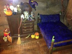Witches bedroom Haunted Dolls, House Made, Dollhouse Miniatures, Bedroom, Witches, Pallet, Furniture, Home Decor, Bruges