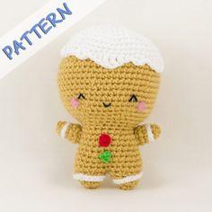 Patrón de galleta de jengibre (gingerbread man toy) de amigurumi, muy bien detallado. La vendedora también ofrece el muñeco acabado. En Etsy en https://www.etsy.com/es/listing/207685827/christmas-crochet-amigurumi-pattern-pdf