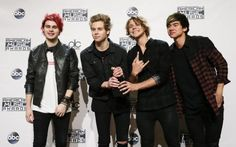 | 5SOS FANS UPSET AS CALUM HOOD MAY QUIT THE BAND! | http://www.boybands.co.uk