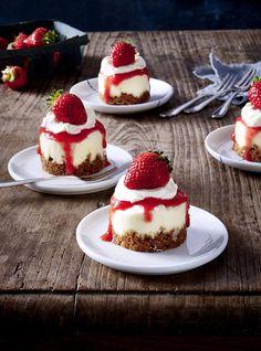 Unser beliebtes Rezept für Mini-Erdbeer-Törtchen und mehr als 55.000 weitere kostenlose Rezepte auf LECKER.de.