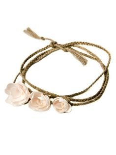 A super-cute headband is the ideal accessory for your flower girls.