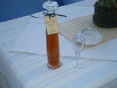 λικεράκι φτιαγμένο με μεράκι .... @pezoula_paros Wine, Drinks, Bottle, Beverages, Flask, Drink, Jars, Beverage, Drinking