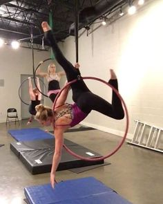 "141 Likes, 3 Comments - Kelly Goldston (@k_james) on Instagram: ""Some new moves that @branditakesflight taught us tonight @moxiemischiefaerial #lyra #lyrahoop…"""