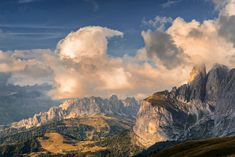 Autumn just begin but the colors change in the Dolomites have already begun. In about 20 days will be at the top of autumn's colors