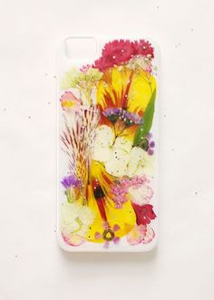 DIY Pressed Flower iPhone Case | The Etsy Blog