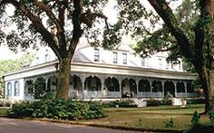STAYED THE NIGHT AT ONE OF THE  MOST HAUNTED PLANTATIONS (THE MYRTLES)  IN THE WORLD! IT WAS FREAKKKY!! BUT FUUUN!