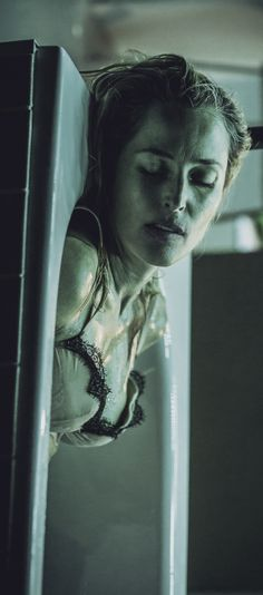 Gillian Anderson as Blanche Dubois in A Streetcar Named Desire #gilliananderson #gillian #streetcar