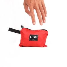 CUB TRAVELER Hobo Nylon Bag Red (folded side), #bags #minirucksack #outdoor #slingbag #products #traveling #traveler #urbantraveling #travelgear #hobo #nylon #apparel #holiday #vacation #dailypack