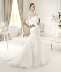 Pronovias-Fashion-2013-Wedding-Dresses-Collection_04