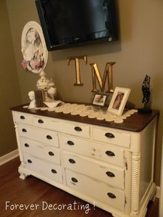 Forever Decorating!: My Newly Painted Brown Master & GiveAway!