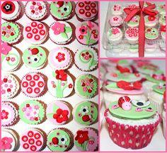 Ladybug Cupcakes by Natty-Cakes (Natalie), via Flickr