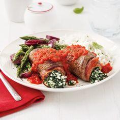 Roulades de veau au prosciutto, épinards et ricotta - 5 ingredients 15 minutes Prosciutto, Meatloaf, Steak, Chicken, Food, Juice Cup, Meat, Hot Pot, Chef Kitchen